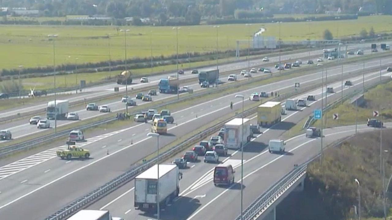 Weer verkeersproblemen door ongelukken op A4 bij Leiden