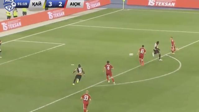 Prachtige hakbal in Kazachstan na assist Arshavin