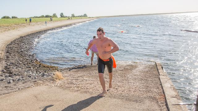 Zwemtocht De Thoolse Mijl krijgt in 2017 een vervolg