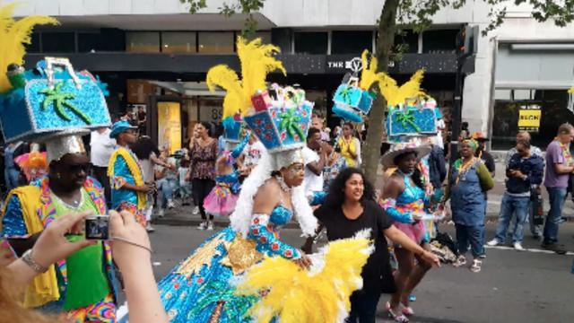 Feest tijdens Zomercarnaval in Rotterdam