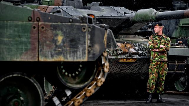 Defensie scherpt bewaking bij kazernes aan na uitzending Stegeman