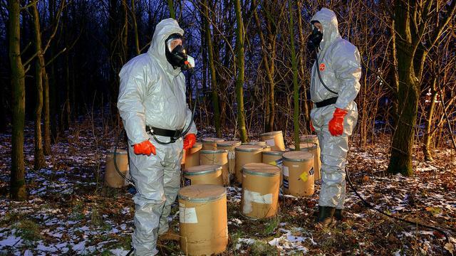 Politie Etten-Leur neemt bijna tienduizend kilo drugschemicaliën in beslag
