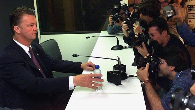 Video-overzicht: Zes legendarische persconferenties Van Gaal