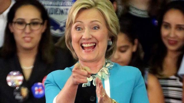 Presidentskandidaat Hillary Clinton haalt 55 miljoen op
