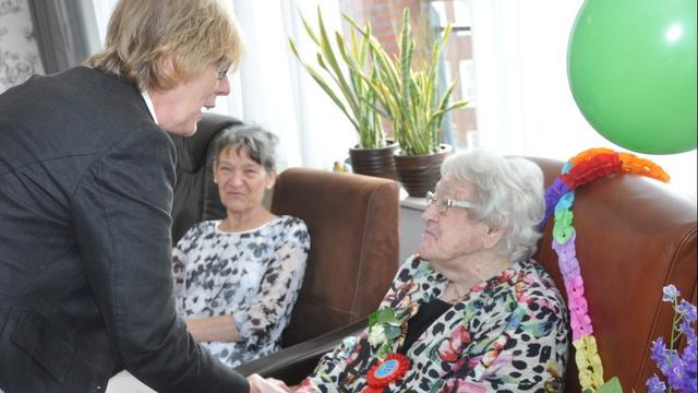 Feest voor honderdjarige Adri Bastiaansen-Rommens
