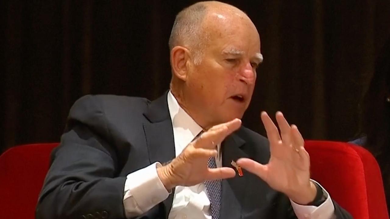 Gouverneur Californië: 'Klimaatverandering verwoestender dan fascisme'