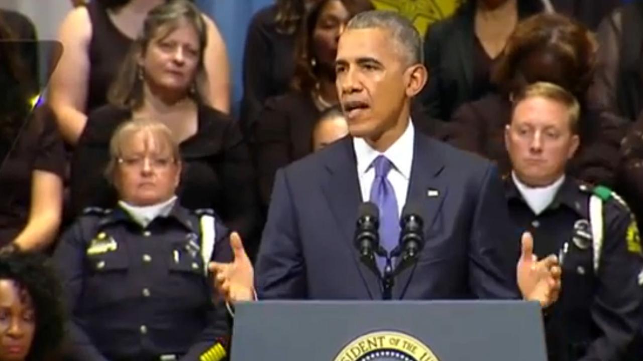 Obama herdenkt politieslachtoffers Dallas