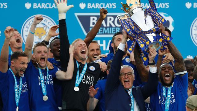 Leicester kan landstitel nog niet bevatten ondanks huldiging