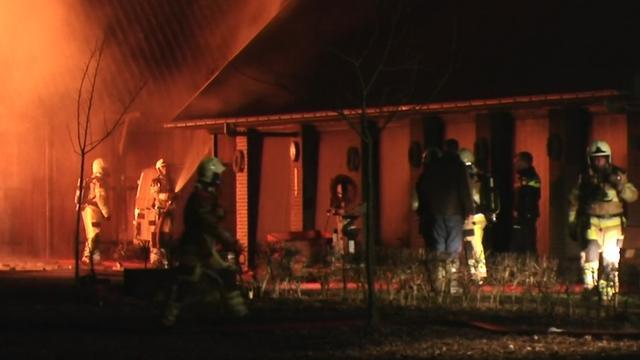 Woonboerderij bij Deventer verwoest door brand