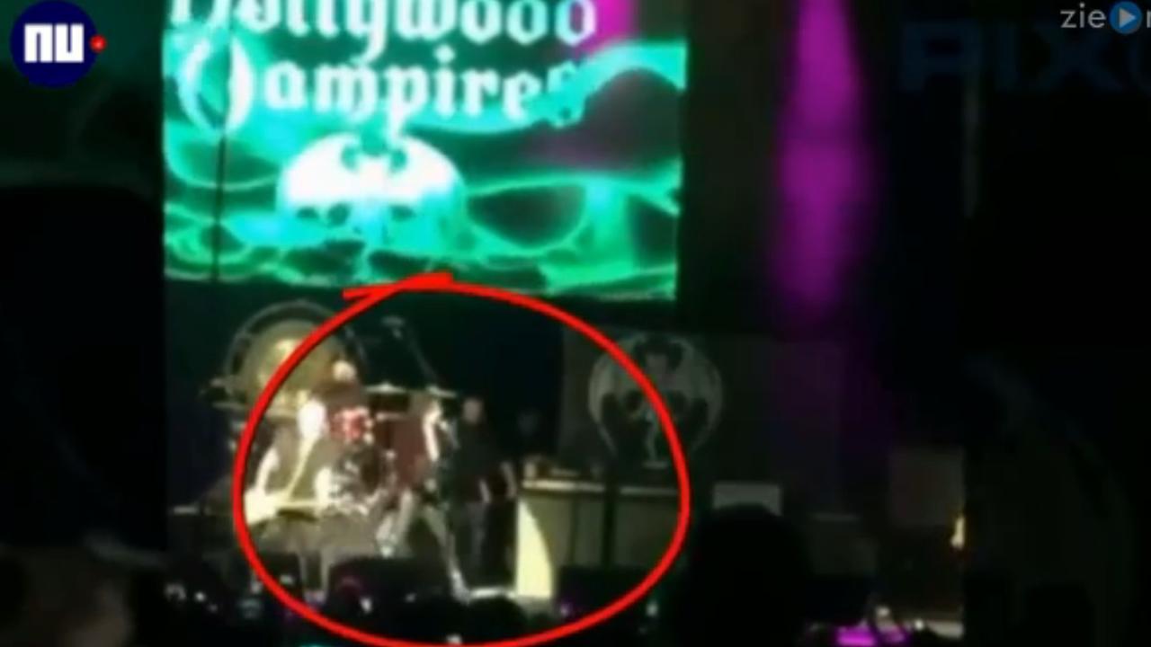 Gitarist Joe Perry zakt in elkaar tijdens optreden met Hollywood Vampires