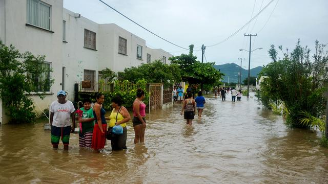 Mexicaanse badplaats Acapulco getroffen door overstromingen