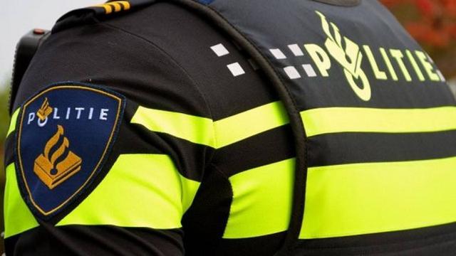 Fietser gewond bij aanrijding met auto op Landsmeerderdijk