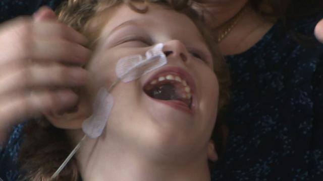 Familie zamelt geld in voor 4-jarige jongen met bewegingsstoornis