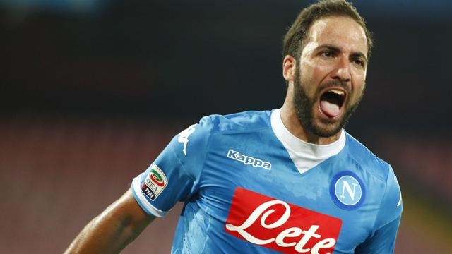 Juventus neemt Higuain voor ruim 90 miljoen euro over van Napoli