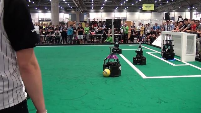 Zo werkt het WK Robotvoetbal