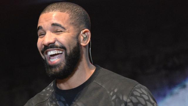 Drake lanceert tijdelijke weggeefwinkel