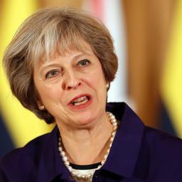 Britse premier zet in op volledig vertrek uit Europese Unie