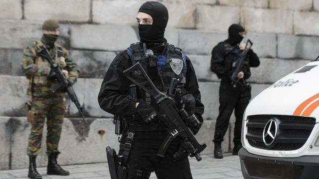 Militairen blijven voorlopig op straat lopen in Brussel