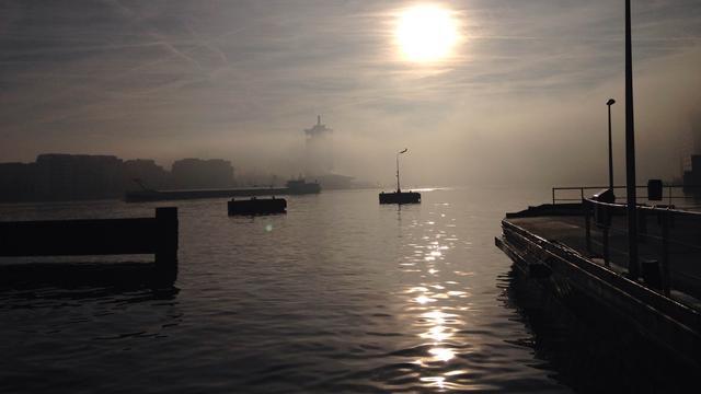 'Stad gaat serieus kijken naar bruggen over IJ'
