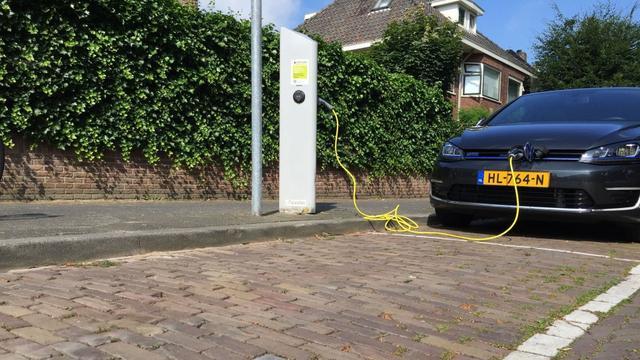 Baronielaan krijgt laadpleinen voor elektrische auto's
