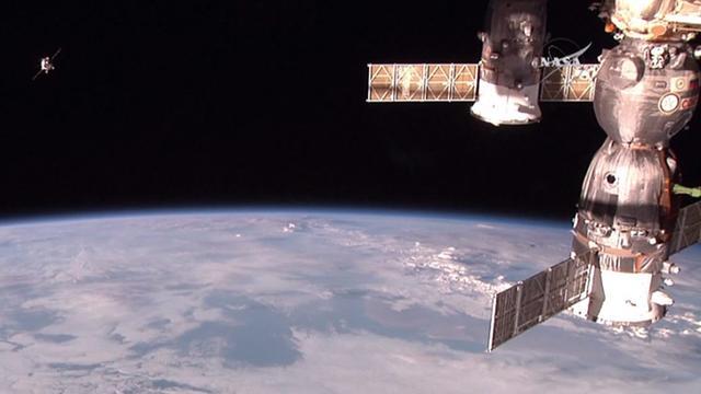 Amerikaans-Russisch team van drie astronauten vertrokken naar ISS