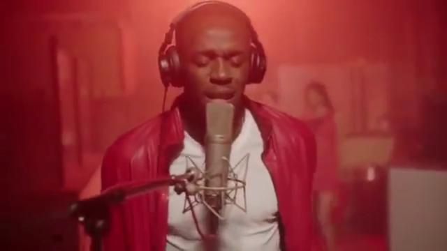Usain Bolt brengt geautotuned kerstlied uit