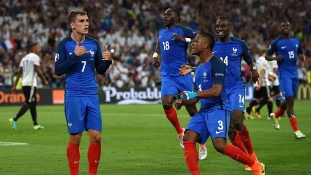 Gastland Frankrijk verslaat Duitsland en treft Portugal in EK-finale
