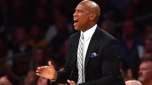 Lakers ontslaan coach Scott na slechtste seizoen in clubhistorie