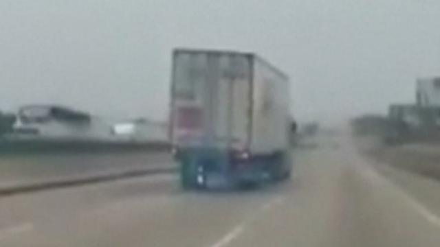 Chauffeur Mexico komt ongedeerd uit ongeluk nadat remmen het begeven