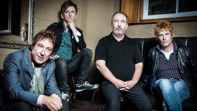 Britse punklegendes Buzzcocks vieren verjaardag in Mezz