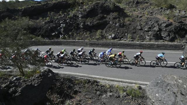 Liveblog Giro: Nederlanders in groep met favorieten op Etna (gesloten)