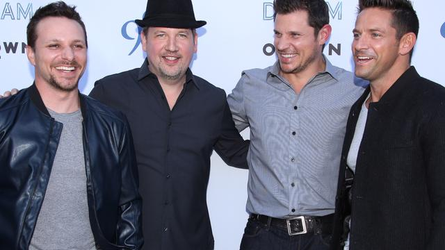 98 Degrees-zangers deelden bed met fans