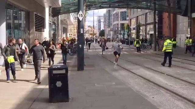 Paniek rond winkelcentrum Manchester na vals alarm over mogelijk 'incident'