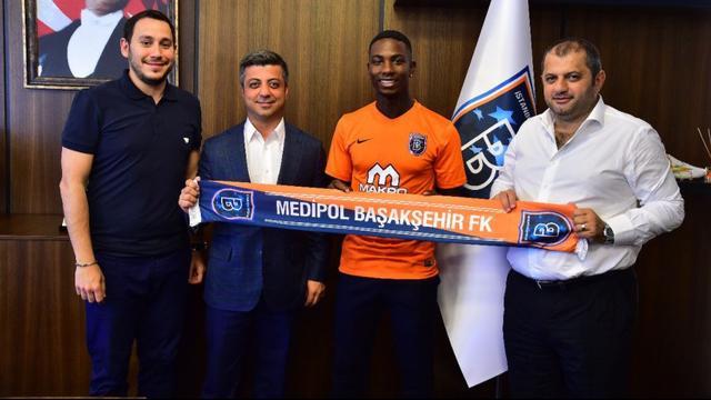 Elia verlaat Feyenoord en tekent voor drie jaar bij Istanbul Basaksehir