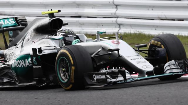 Mercedes pakt derde constructeurstitel op rij in Formule 1