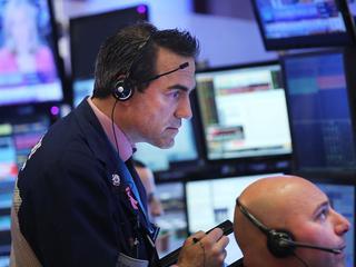 Amerikanen zijn lang niet zo enthousiast over Trump als de aandelenmarkt ons doet geloven