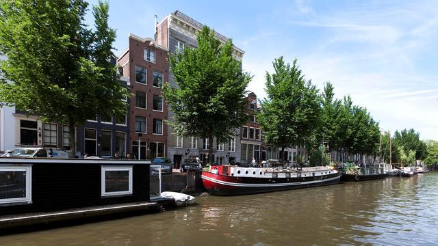 Amsterdamse woonbootverhuurders riskeren forse boetes