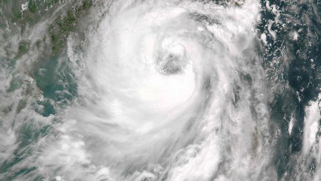 Zwaarste storm in 33 jaar in Hongkong