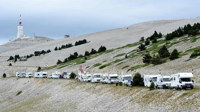 Liveblog Tour: Bizarre finale ontsiert etappe naar Mont Ventoux (gesloten)