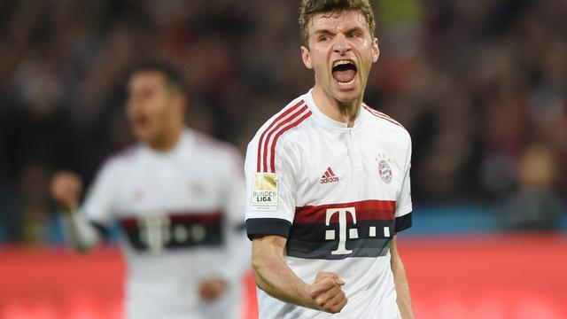 Bayern loopt verder uit op Dortmund, Dost onderuit met VfL Wolfsburg