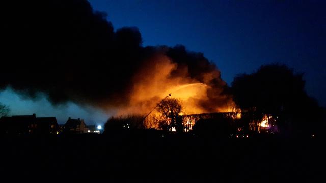 Tientallen woningen ontruimd door grote brand Kapelle