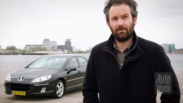 Acteur Guy Clemens laat zijn autokennis testen