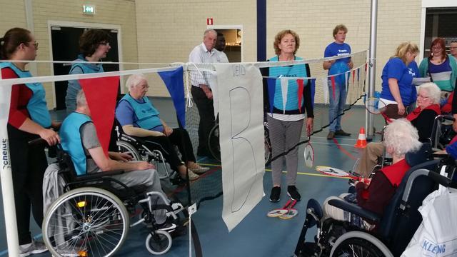 Topaz-locatie Overduin wint beker op sportdag in De Zijl