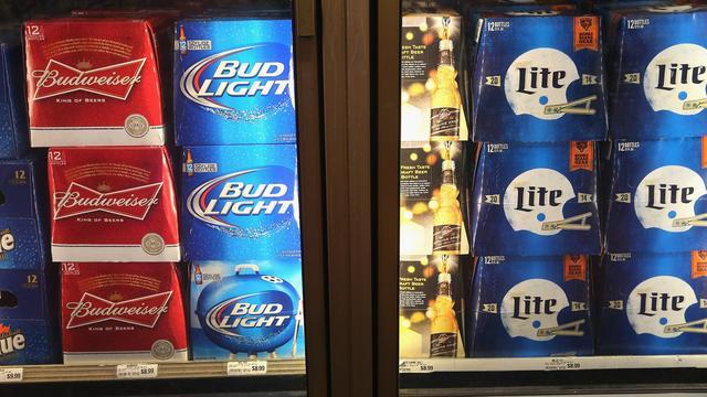 Grootste brouwer ter wereld brengt duurder bier aan de man