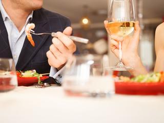 Restaurant gespecialiseerd in gegrild vlees en kaasgerechten