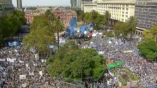 Tienduizenden leraren in Argentinië protesteren voor loonsverhoging