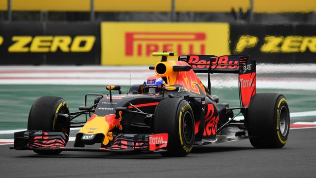Verstappen sterk op mediumbanden in tweede training GP Mexico
