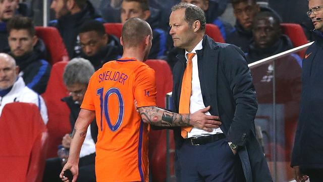 Oranje na zes jaar weer zonder speler van 'Grote Vier'