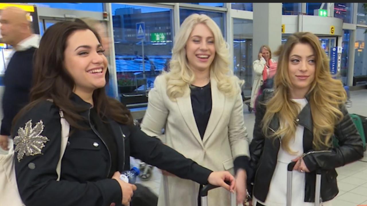 Lisa, Amy en Shelly van OG3NE onderweg naar Eurovisie Songfestival