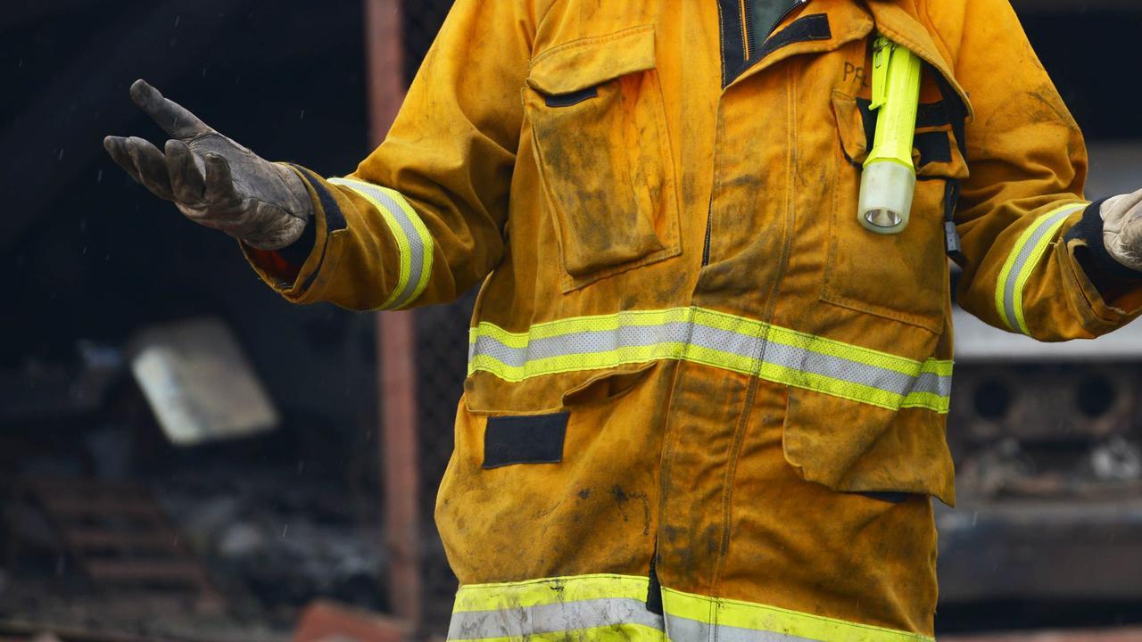 Chinese brandweerman probeert nog levende 'dode man' te redden